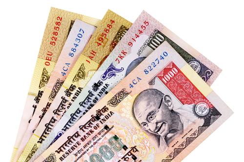 """Индийское правительство борется с """"черной"""" экономикой"""